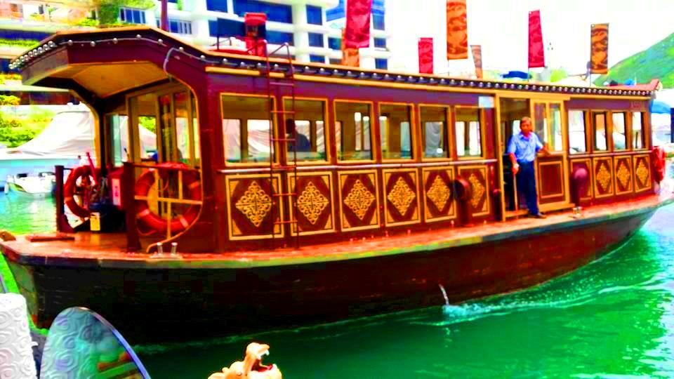 Jumbo-Floating-Restaurant-ferry-ride