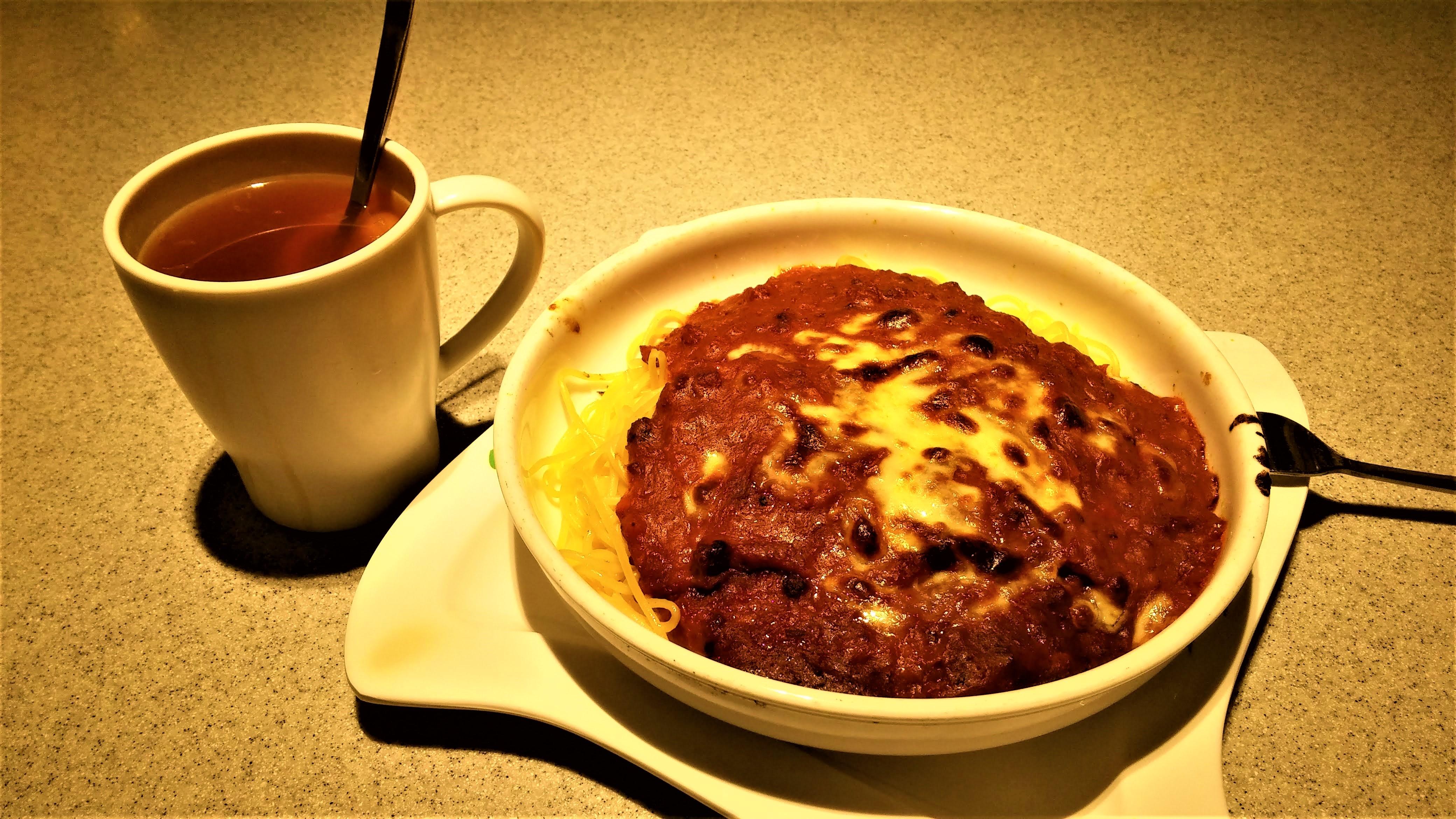 Hong Kong style Spaghetti Bolognese with lemon tea
