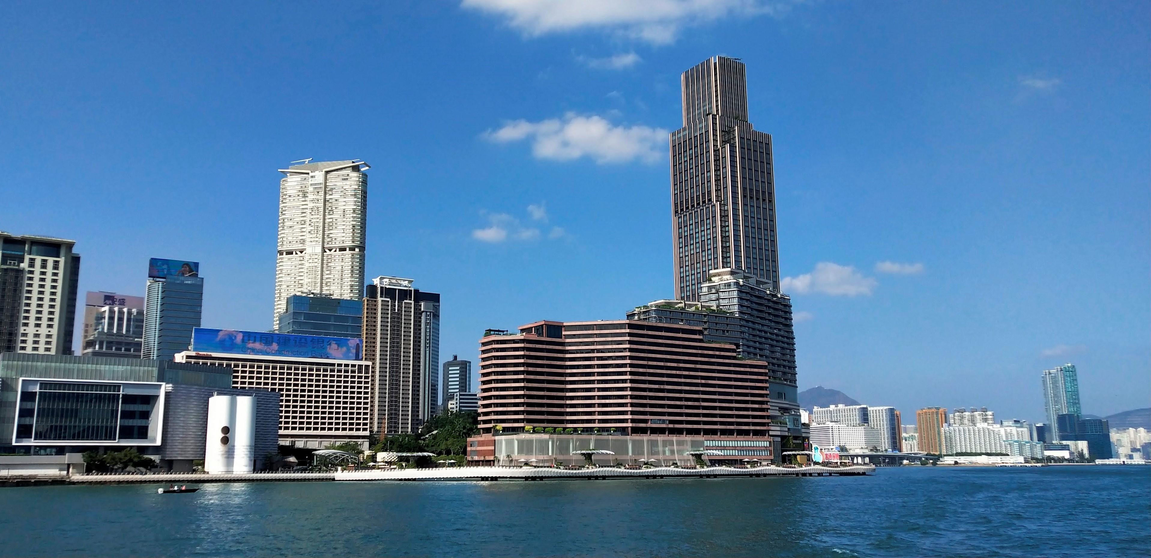 Skyscraper Victoria Dockside and Avenue of Stars.