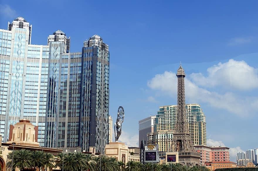 Mini Eiffel Tower and other casino resorts in Cotai Macau