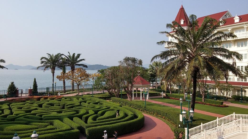 Disney Hollywood Hotel has a good view.