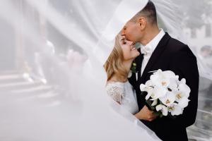 Good travel plan is vital to happy Hong Kong honeymoon